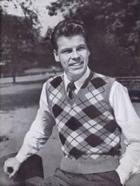 vintage pattern argyle sleeveless pullover slipon sweater